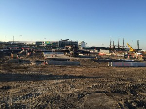 LaGuardia-63-meter-concrete-boom-pump-sitting-on-top-8-days-after-the-pour-750x563